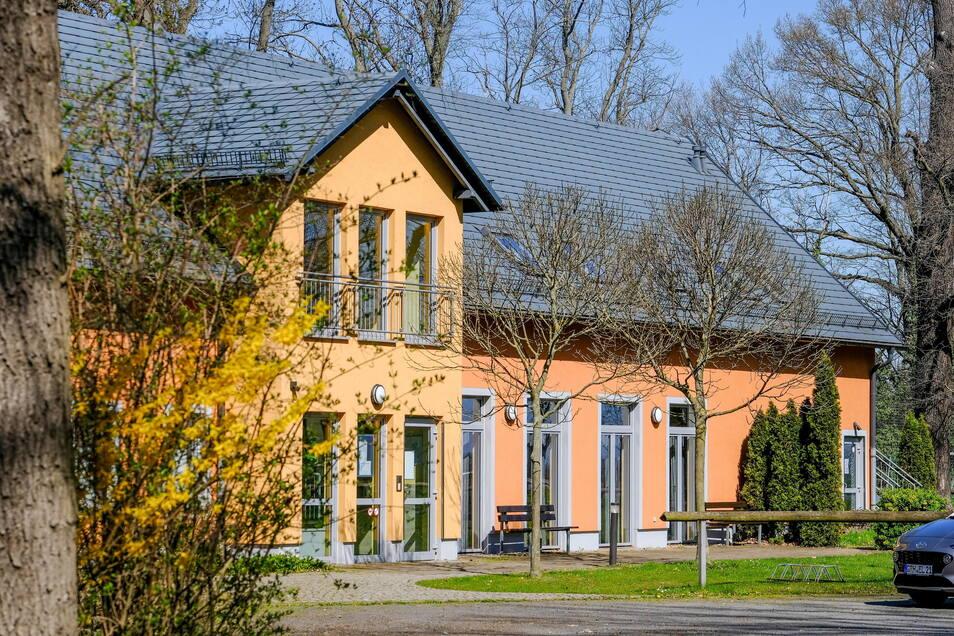 Auch für die Nutzung der Räume des Dorfgemeinschaftshauses in Steinbach gelten voraussichtlich ab Juni neue Konditionen. Dabei ändern sich nicht nur die Kosten für die Miete. Es gibt künftig auch einen einheitlichen Mietvertrag für alle öffentliche