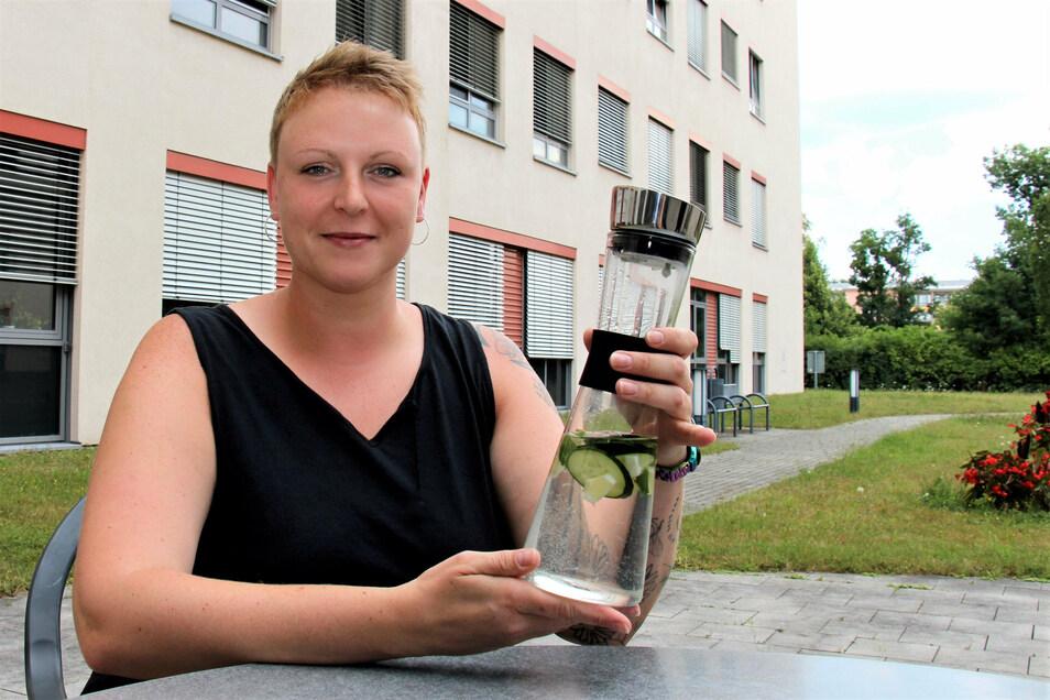 Diabetesassistentin Sandra Megsner vom Klinikum Pirna: Im Sommer immer ausreichend trinken.