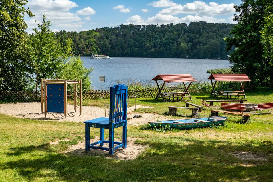 Das Außengelände der Jugendherberge Falkenhain ist heute geprägt von vielen Freizeitmöglichkeiten.