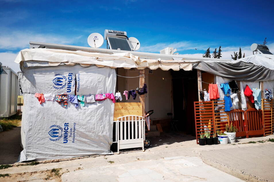 Die Lage in den überfüllten Flüchtlingscamps auf dem griechischen Festland ist katastrophal.