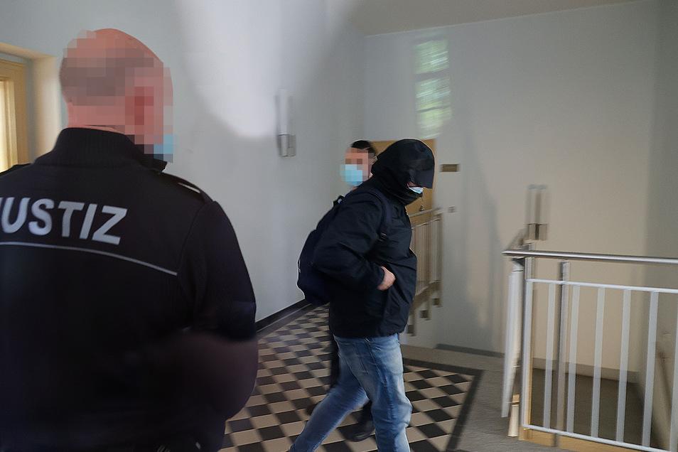 Ein ehemaliger Waldheimer musste sich vor dem Landgericht Chemnitz wegen schwerer sexueller Vergewaltigung und anderer Straftaten verantworten.