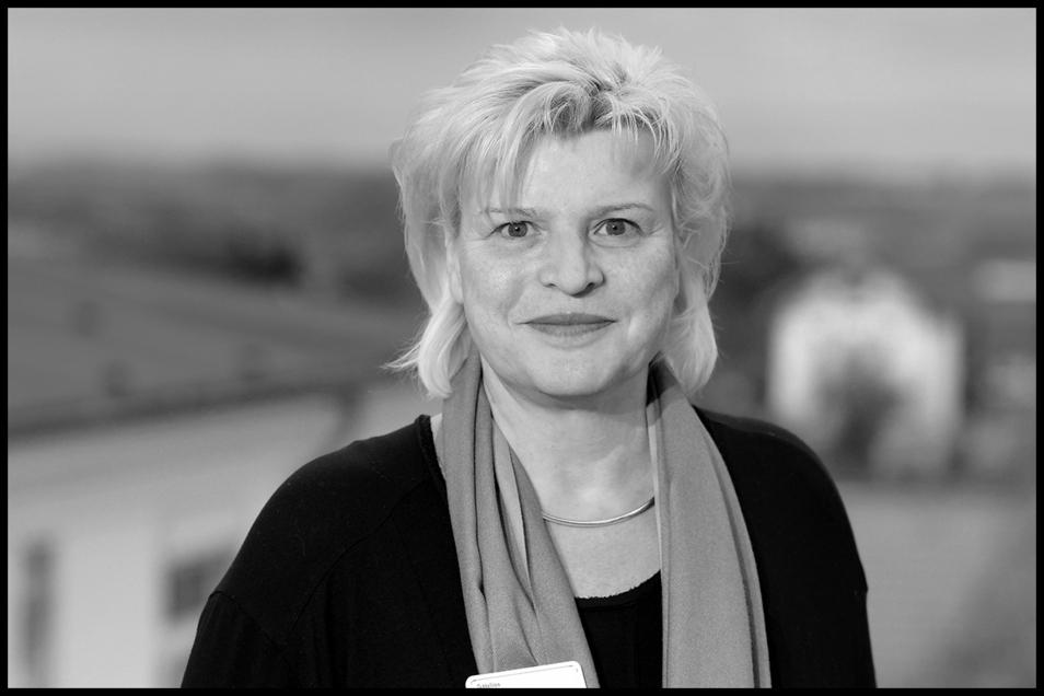 Im Alter von 53 Jahren ist Peggy Uhlmann, die Geschäftsführerin der Helios-Klinik in Leisnig, verstorben.