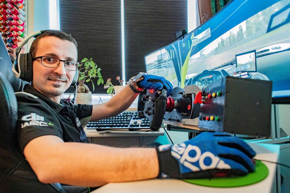 Patrick Neubert aus Pulsnitz fährt seit Jahren erfolgreich Rennen im E-Sportbereich. Bald steht wieder ein 24-Stunden-Rennen auf dem Nürburgring an - natürlich alles digital.