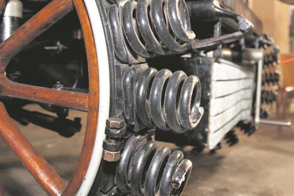 Die Räder des Adler-Fahrzeuges waren mit Federn versehen.