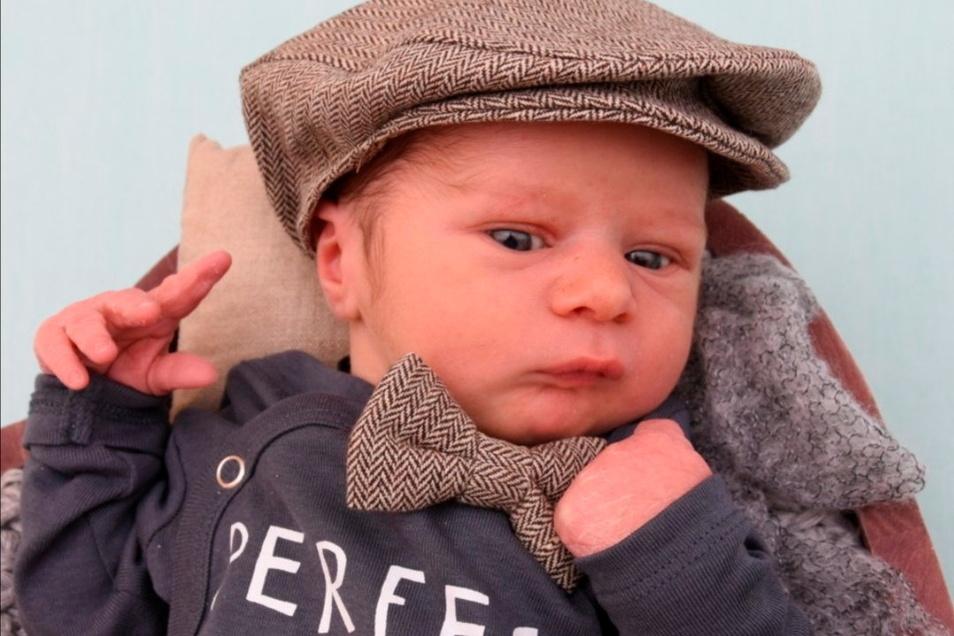Jonas, geboren am 12. April, Geburtsort: Kamenz, Gewicht: 3.430 Gramm, Größe: 49 Zentimeter, Eltern: Jadwiga und Sebastian Kliemant, Wohnort: Neudörfel