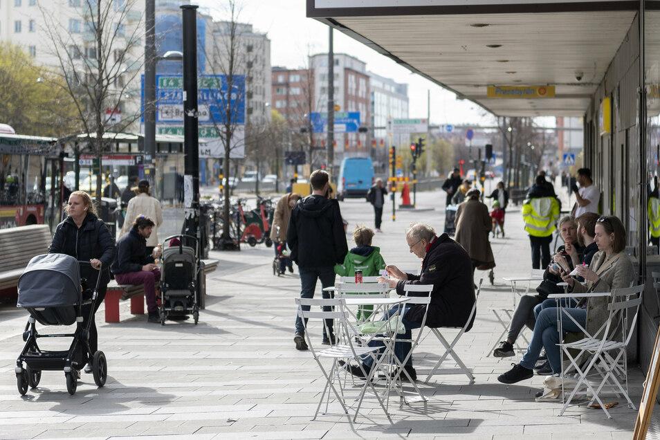 Kaum eine Strategie hat in der Corona-Krise international so viele Schlagzeilen gemacht wie der schwedische Sonderweg. Gegner der deutschen Corona-Beschränkungen halten den freizügigeren Weg der Schweden für den besseren.