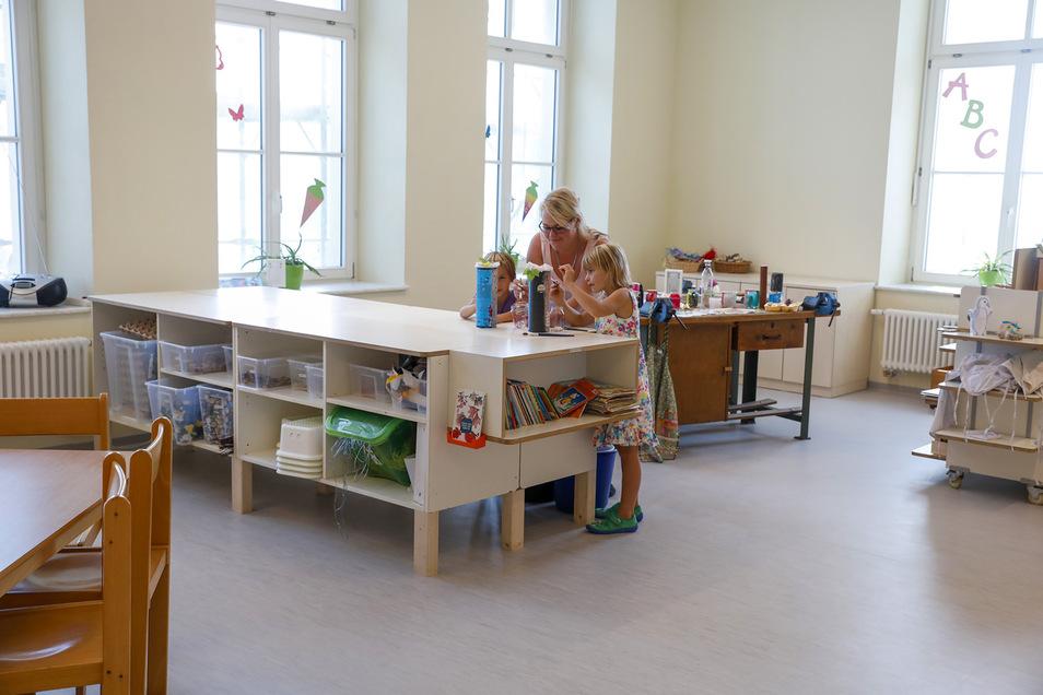 Die Klassen- und Horträume haben neue Fußböden und Fenster, teilweise auch neues Mobiliar erhalten.