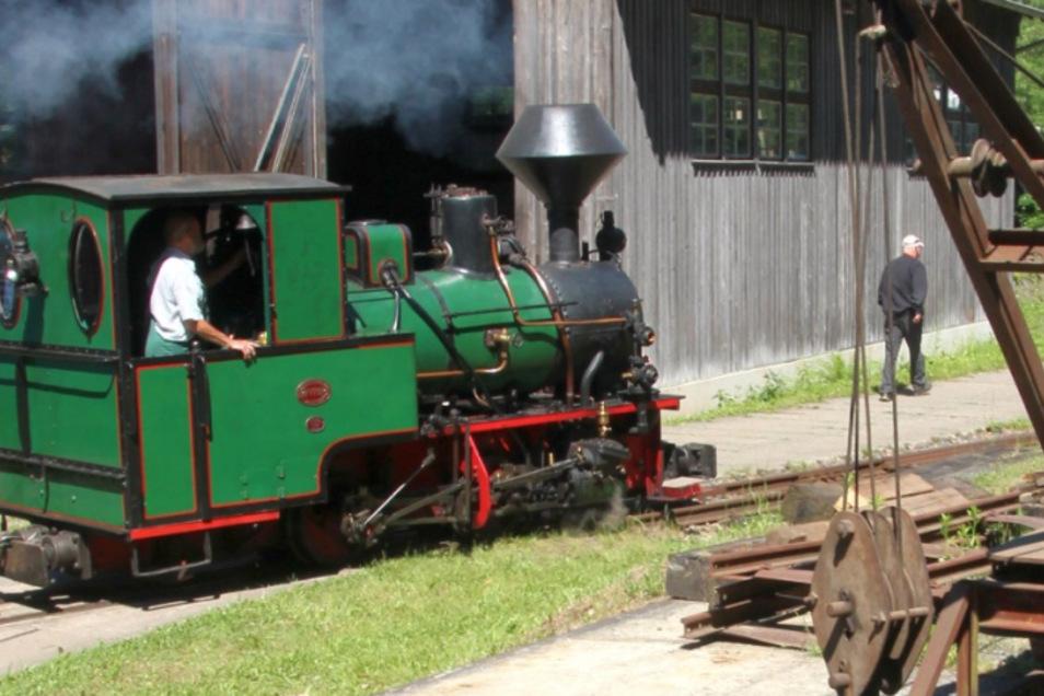 Im Feldbahnmuseum Herrenleite ist die Dampflok unterwegs.