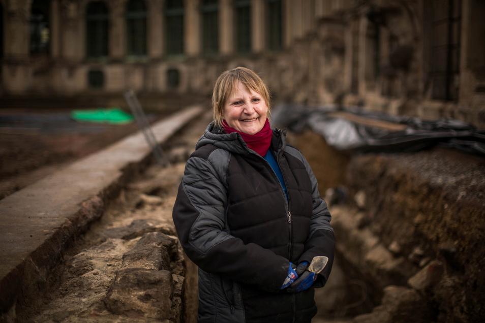 Bei jedem Wetter hat Katrin Ruffani ihren Arbeitsplatz unter der Erde. Zurzeit ist sie im Zwingerhof im Einsatz.