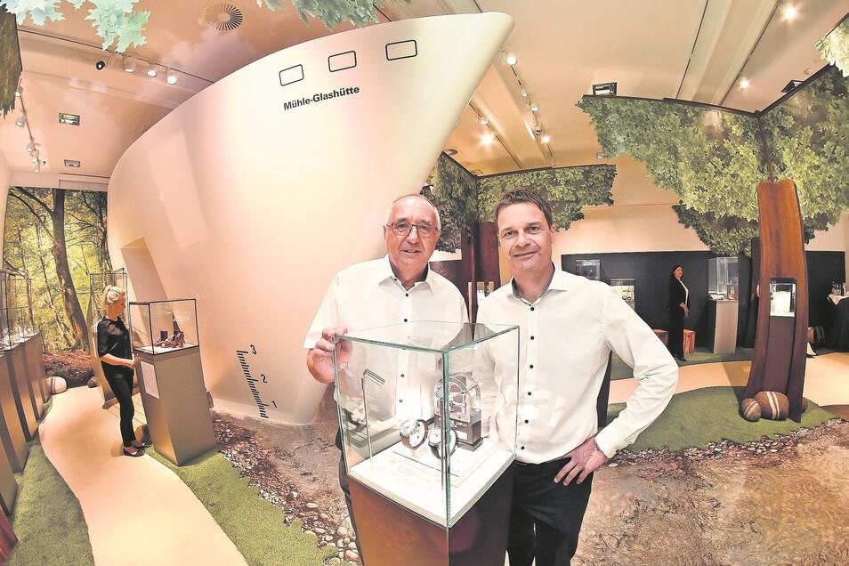 Museumsleiter Reinhard Reichel und Geschäftsführer Thilo Mühle laden zu einer neuen Sonderausstellung ins Uhrenmuseum ein.