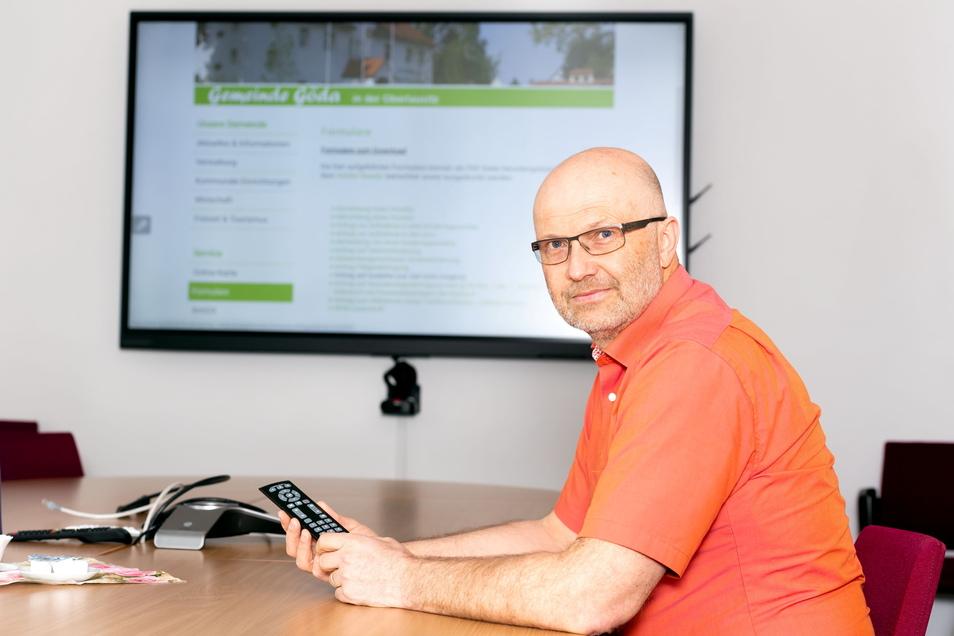 Thomas Weber ist der Direktor der in Bischofswerda ansässigen Anstalt für Kommunale Datenverarbeitung. Sie sorgt dafür, dass Bürger immer mehr Dienstleistungen von Verwaltungen per Handy und Computer wahrnehmen können.