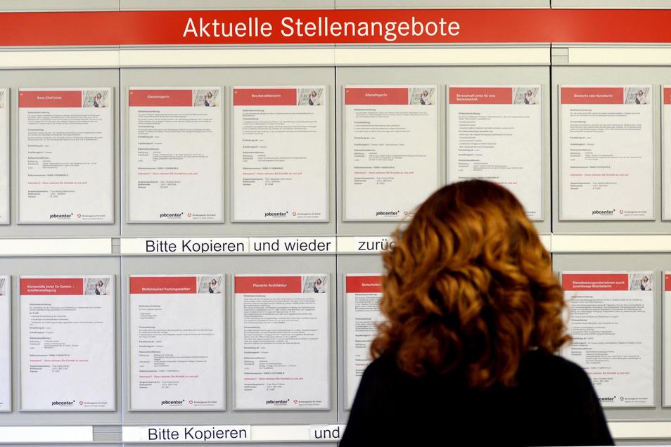 Winterflaute und Corona zugleich: Die Arbeitslosigkeit in Sachsen steigt, doch die Unternehmen melden weiterhin auch neue freie Stellen.