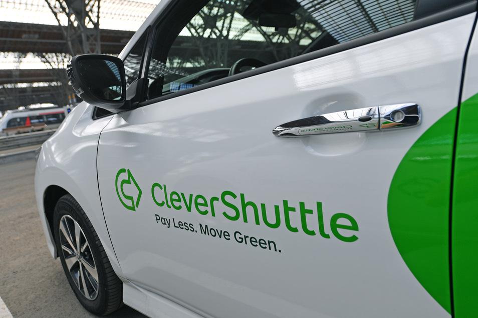 Der zur Deutschen Bahn gehörende Fahrdienstanbieter Clevershuttle stellt seinen Betrieb in Berlin, Dresden und München ein.