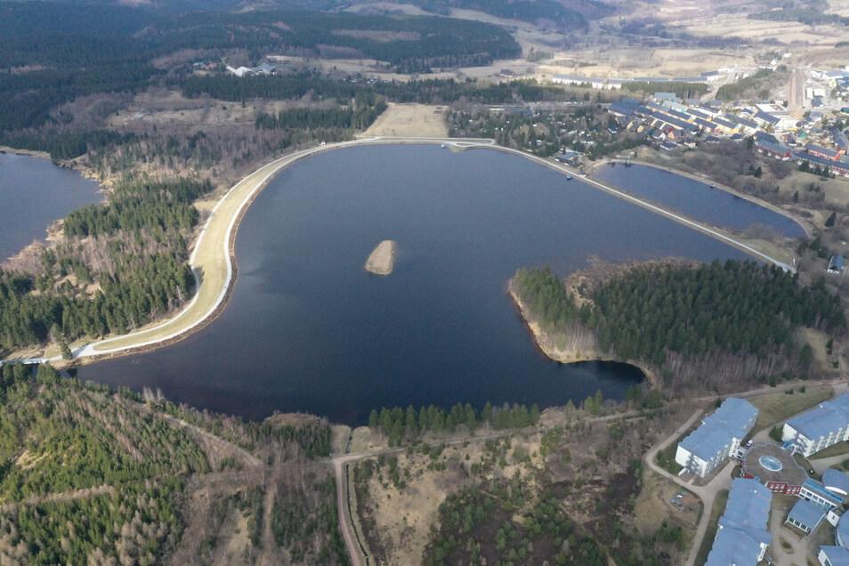 Vor 75 Jahren wurde der erweiterte große Galgenteich zum ersten Mal aufgestaut. Die kleine Insel ist der Rest des alten Dammes.