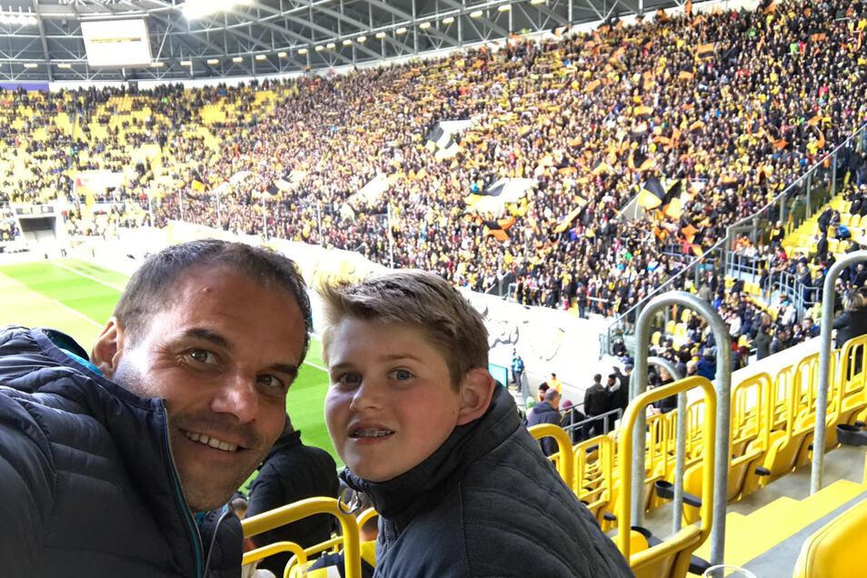 Werner Rank ist mindestens einmal pro Saison bei einem Dynamo-Spiel, sein Sohn Niklas kommt gerne mit.