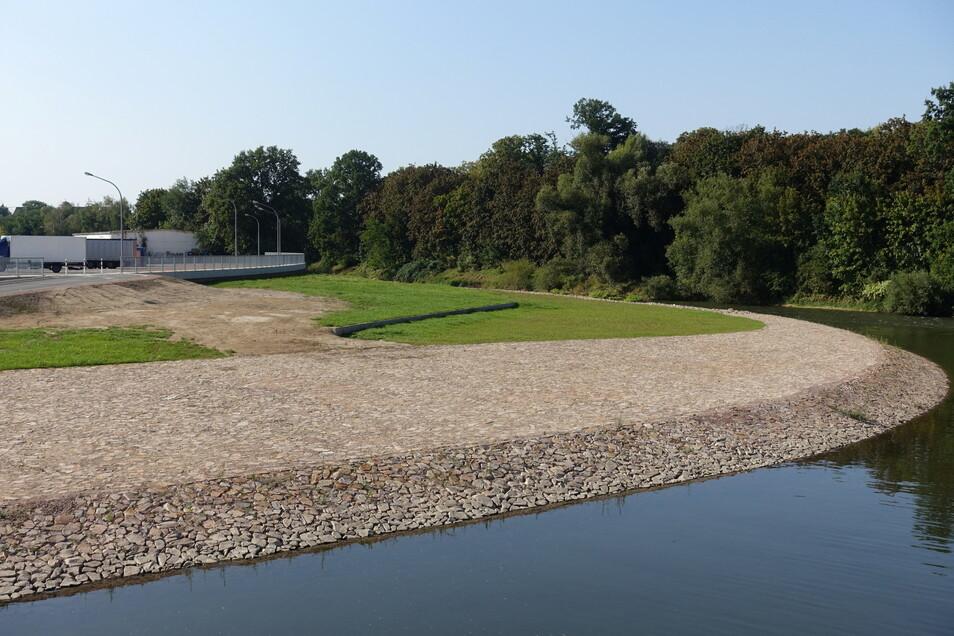 An der Flutmulde in Döbeln ist nach dem Ausbau eine öffentliche Freifläche entstanden.