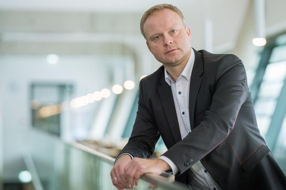 Karsten Wöhler ist als Manager beim HC Elbflorenz jetzt vor allem in Telefonkonferenzen und Gesprächen mit Mitarbeitern und Partnern des Vereins gefordert.