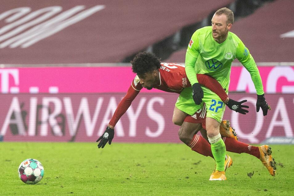 Am Mittwoch war Maximilian Arnold (r.) für den VfL Wolfsburg noch in München aufgelaufen. Am Sonntag gegen Stuttgart fehlte der gebürtige Riesaer wegen eines positiven Corona-Tests.
