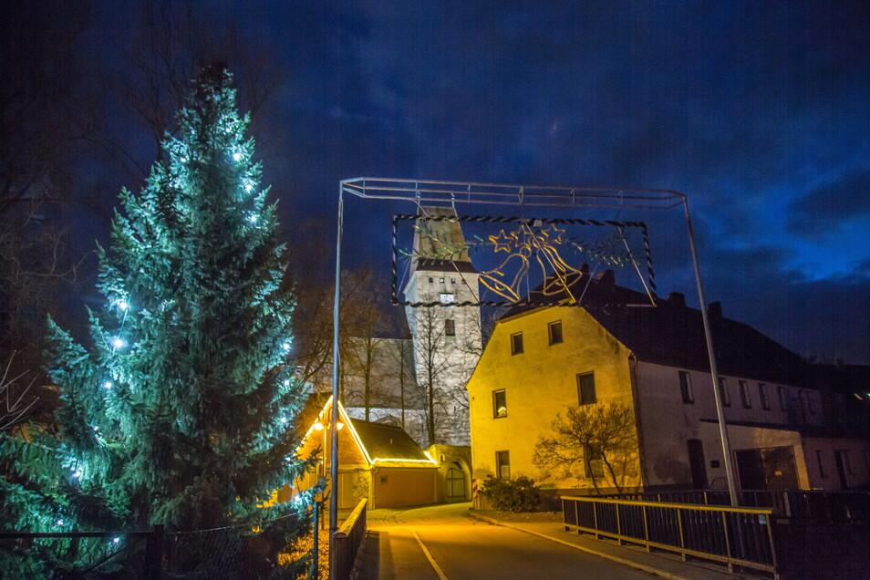 Das Städt'l in Nieder Seifersdorf ist zur Adventszeit 2020 wieder mit Lichtern weihnachtlich geschmückt worden. Ein Weihnachtsmarkt durfte nicht stattfinden.