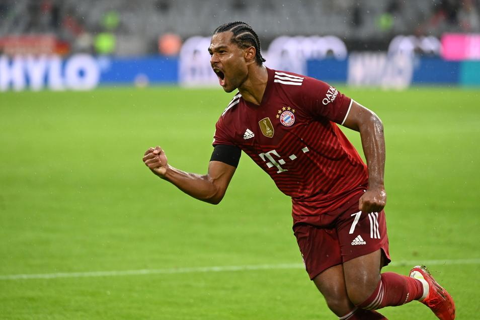 Bayerns Serge Gnabry jubelt nach seinem Tor zum 3:2.