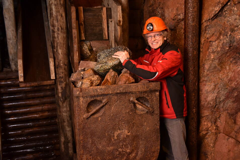 Christoph Schröder im Schaustollen des Bergbaumuseums. Der lässt sich nur in Führungen besuchen - was endlich wieder möglich ist.