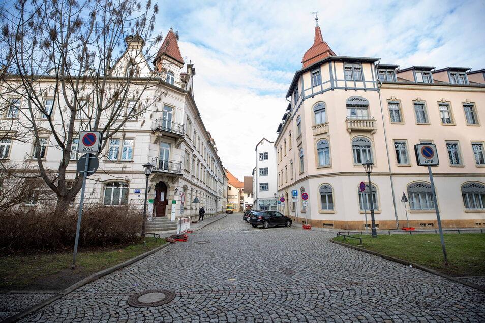 Einmündung Külzstraße/Gerichtsstraße: Ein guter Ort, um ein Teilstück des freigelegten Stadtgrabens zu zeigen.