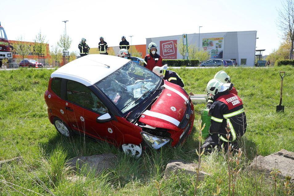 Am 23. April kam es auf der Dresdner Straße (S 82) in Coswig zu einem Verkehrsunfall.