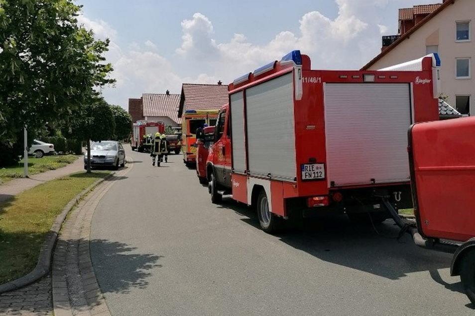 In einem Wohngebiet strömt plötzlich Gas aus - das hatte am Sonnabend einen großen Einsatz der Feuerwehr Zeithain zur Folge. Aber: Wer ist daran schuld?