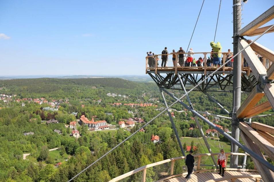 850 Meter lang und bis zu 62 Meter hoch ist die neue Plattform.