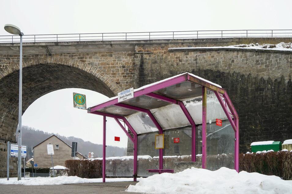 Nicht nur die Bushaltestelle am Viadukt in Demitz-Thumitz, sondern auch alle anderen in der Gemeinde sollen barrierefrei werden.