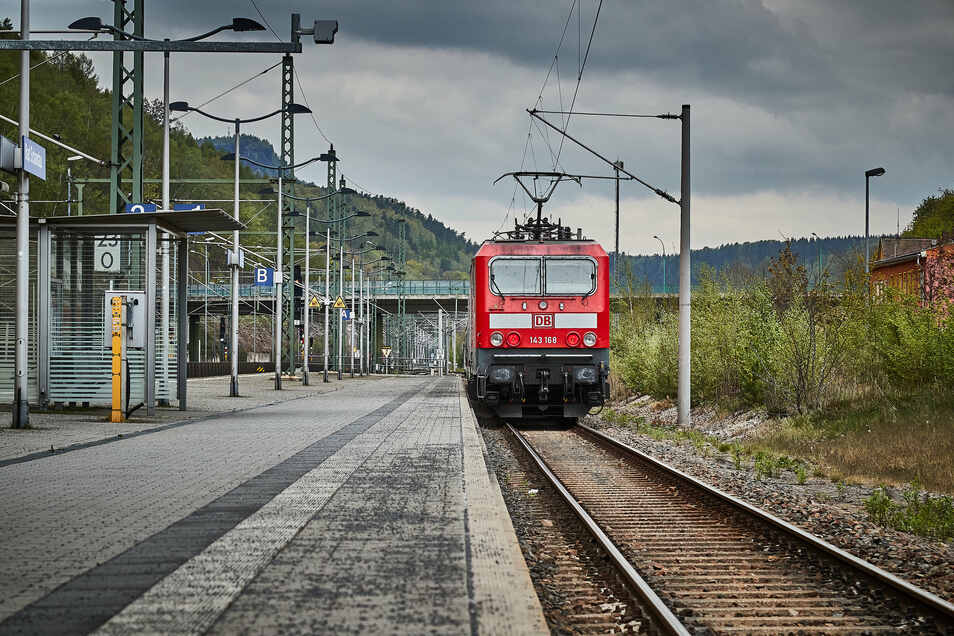 Wie ausgestorben, der Nationalparkbahnhof in Bad Schandau.
