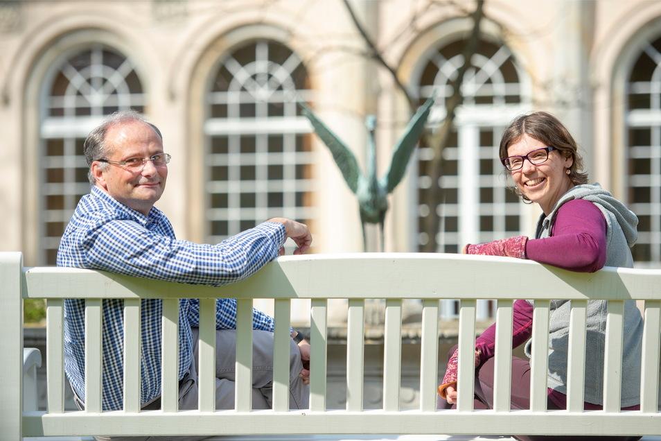 Die Sozialarbeiter Thomas Eisenhauer und Franziska Schmidt von der Diakonie Meißen haben trotz allem ein Lächeln im Gesicht. Die Krise biete auch Chancen - obgleich die Belastungen für Familien hoch seien.