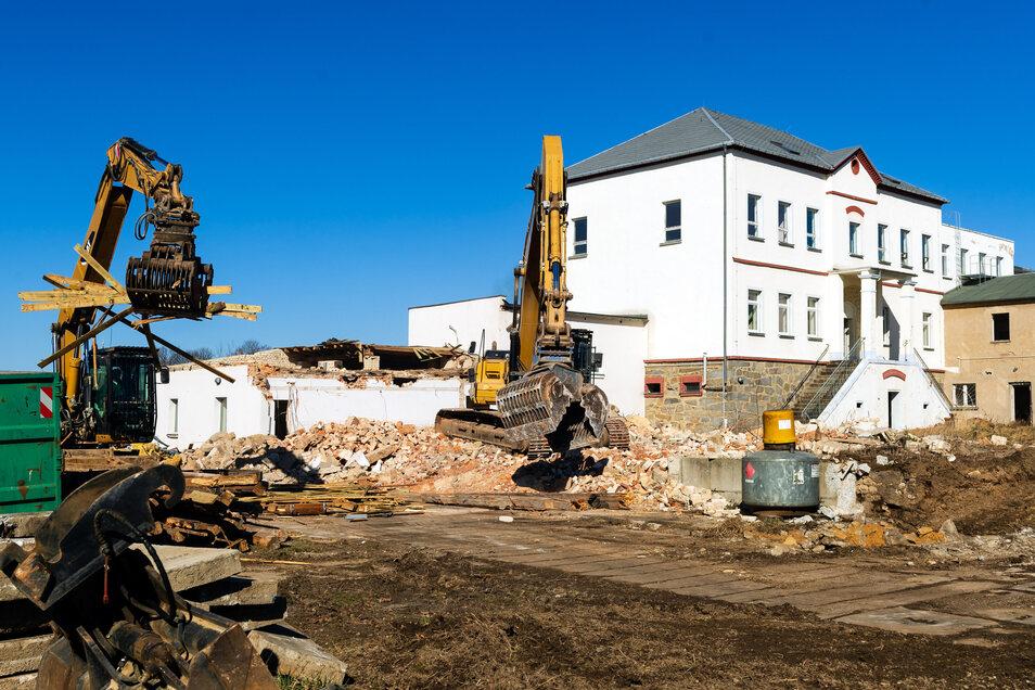 Auf dem einstigen Fobi-Gelände werden weitere Häuser abgerissen. Laut Eigentümer wird das Baufeld freigemacht, um später bauen zu können.