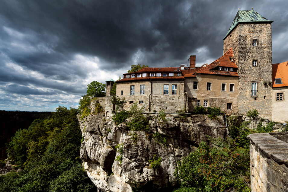Schon mehrmals schwebten dunkle Wolken über Burg Hohnstein.