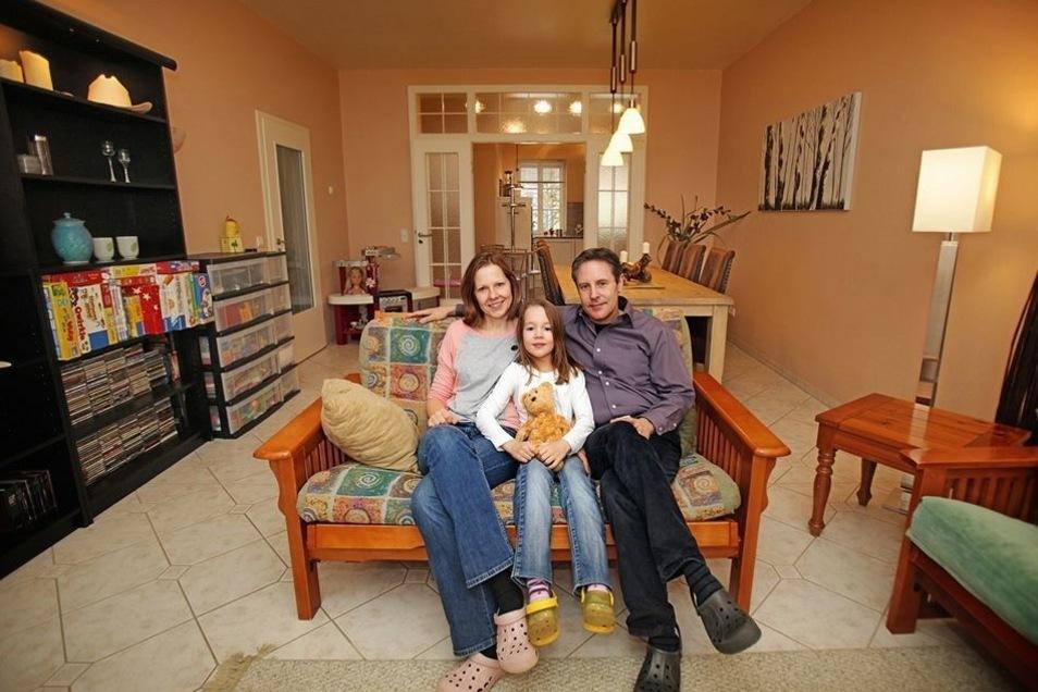 Transatlantische Liebe: Wayne Brown heiratete Katrin in Texas. Mit Töchterchen Juliet wohnt die Familie nun in einem alten Bürgerhaus am Stolpener Markt.
