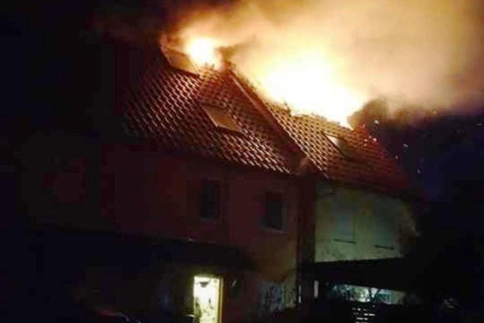Der Brand brach in der Nacht zu Sonntag aus.
