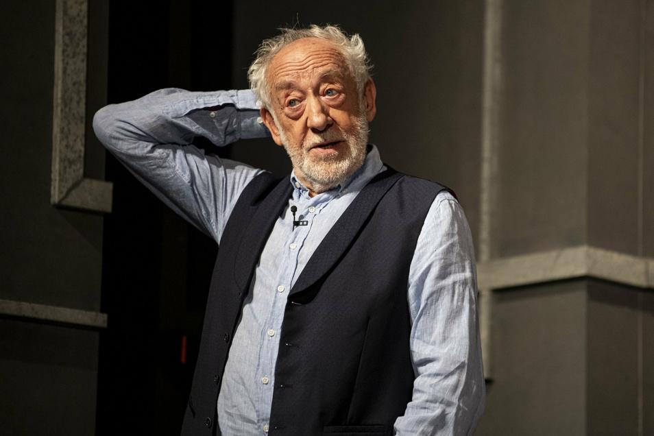 """Dieter Hallervorden hat im Film """"Honig im Kopf"""" eine tragisch-komische Meisterleistung abgeliefert. Mehr tragisch als komisch fanden jetzt Einwohner in Pulsen die Gärtnerkünste eines Rentners."""