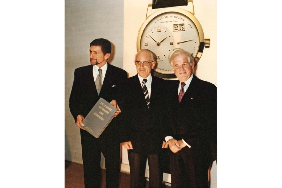 Günter Blümlein, Walter Lange und der sächsische Ministerpräsident Kurt Biedenkopf bei der Erstpräsentation im Dresdner Residenzschloss am 24. Oktober 1994