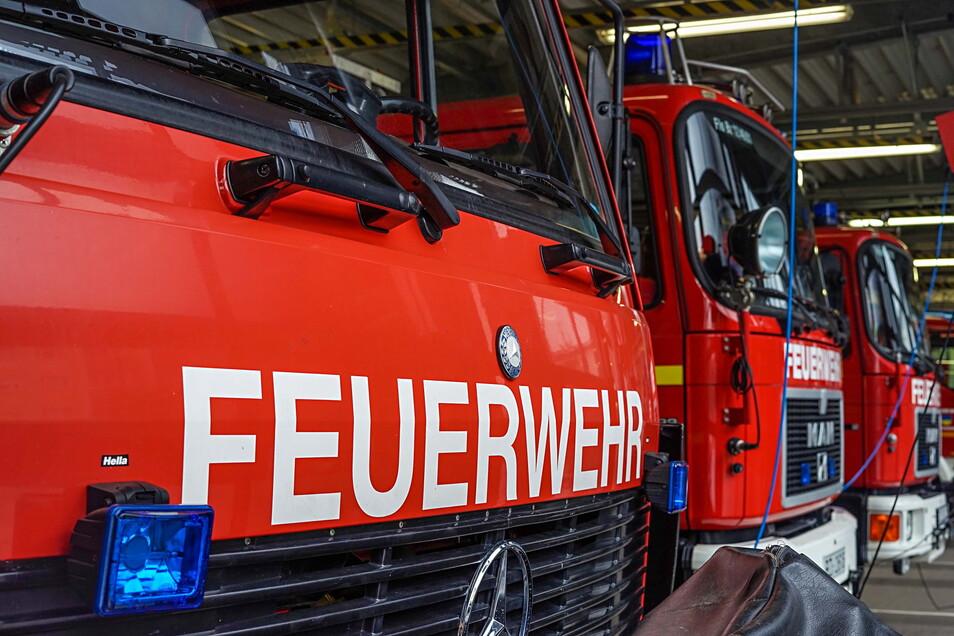 Am Sonntagnachmittag kippte ein Erntefahrzeug um und die Feuerwehr musste ausrücken.