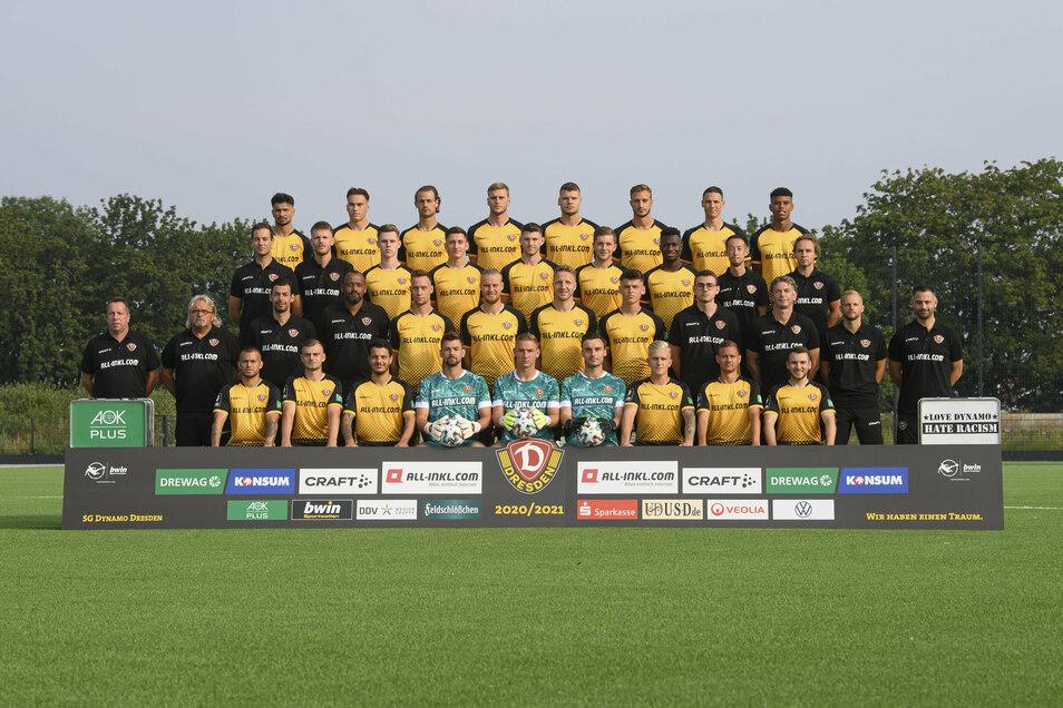 Dynamos neue Mannschaft für die Saison in der 3. Liga steht - zumindest für das offizielle Foto.
