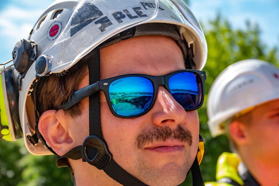 Geschützt: Helm ist Pflicht, die Sonnenbrille bei dem schönen Wetter angebracht.