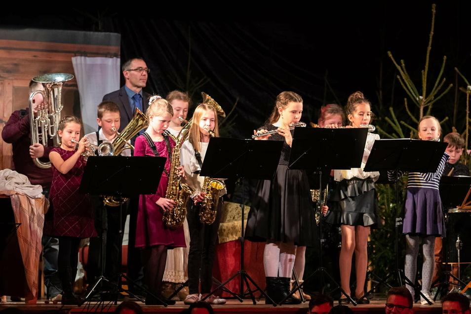 Auch die jüngsten Musiker des Spielmannszuges Oberlichtenau brauchen Instrumente, damit sie üben und auftreten können. Dafür bittet der Verein um Spenden.