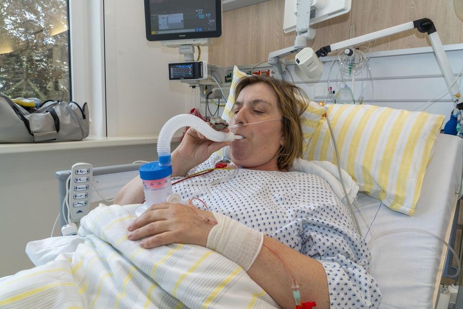 Nach ihrer überstandenen SARS-CoV2-Infektion hat Jenny Fischer noch auf der Intensivstation damit begonnen, ihre durch die Erkrankung geschwächte Lunge zu trainieren.