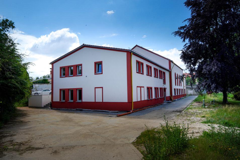 Das neue Gemeindeamt von Wachau von außen. In dem Haus befand sich früher unter anderem eine kleine Turnhalle.