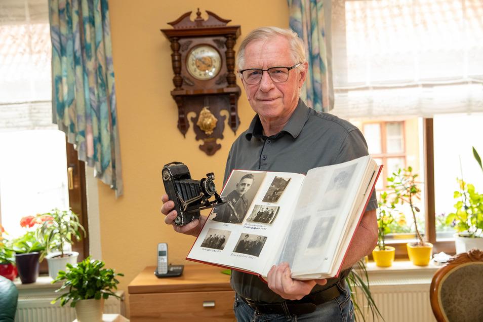 """""""Das Elend des Krieges darf nicht vergessen werden."""" Gert Weise mit der Zeiss-Kamera seines Vaters Marcel, der damit über die Schlachtfelder zog."""