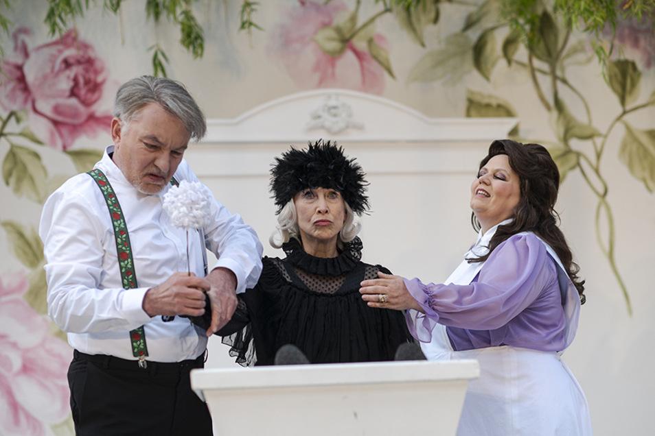 """Szene aus dem Stück """"Beute"""", das am Freitag im Zittauer Klosterhof Premiere hat."""