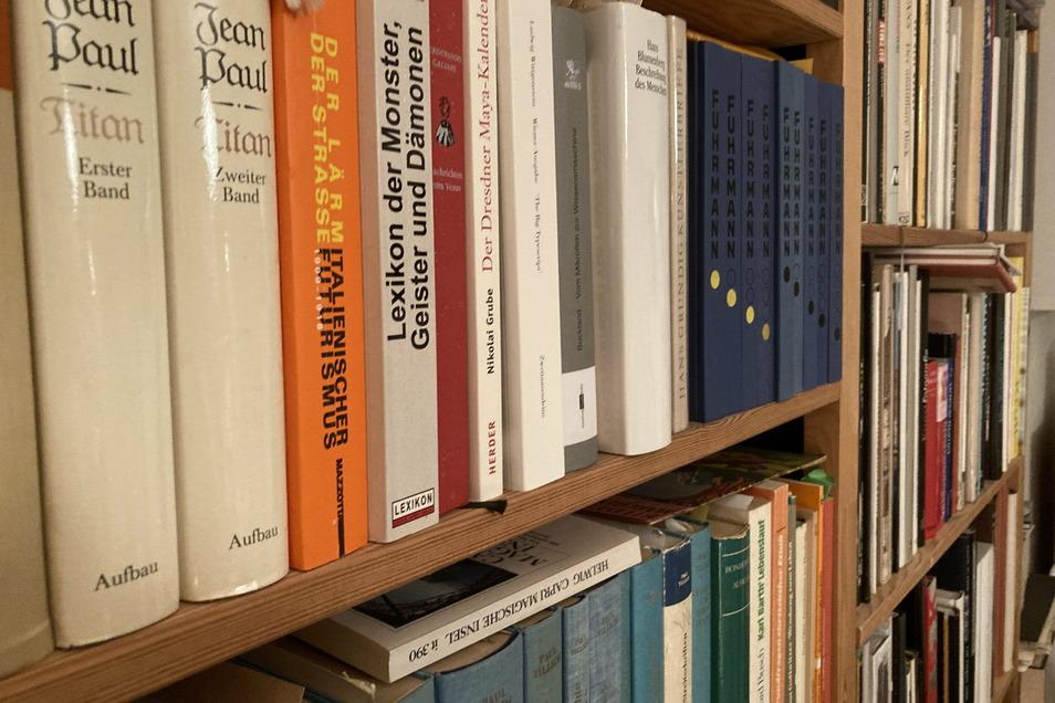 Es brauchte neuen Platz im Regal. Es gab zu viele gute Bücher.