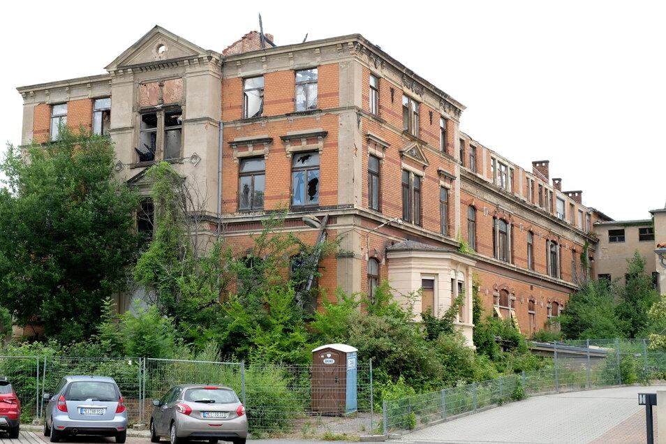 Leerstand und Vandalismus haben dem früheren Landkrankenhaus erheblich zugesetzt. Eine Rettung des unter Denkmalschutz stehenden Gebäudekomplexes ist in Sicht.