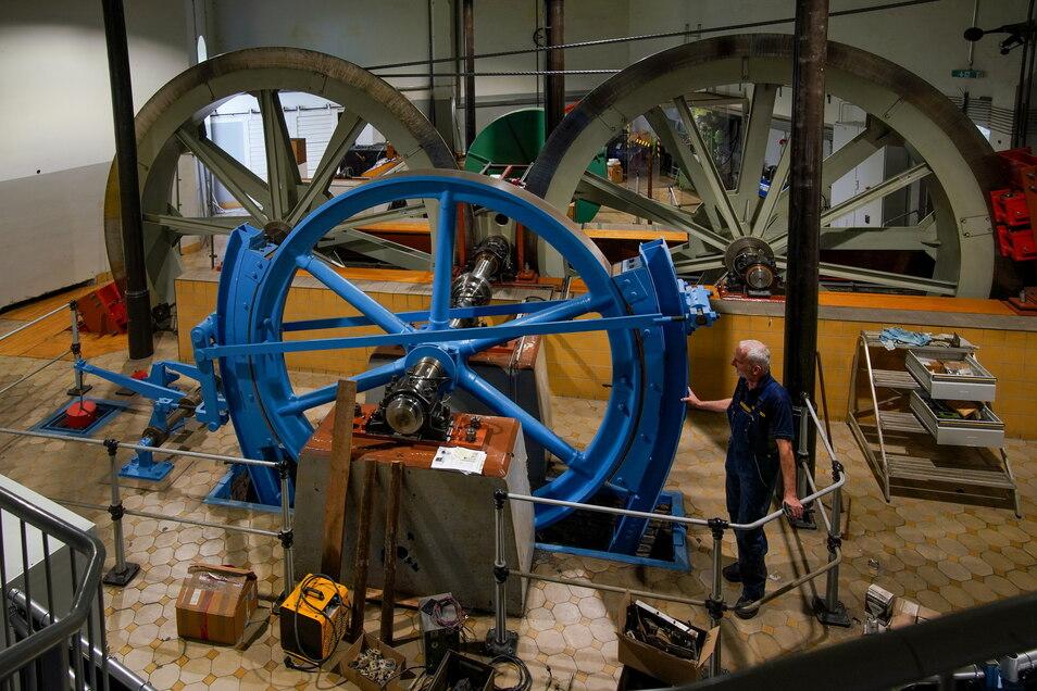 Die Antriebstechnik in der Bergstation sieht historisch aus, ist technisch aber im Topzustand, versichern die Verantwortlichen.