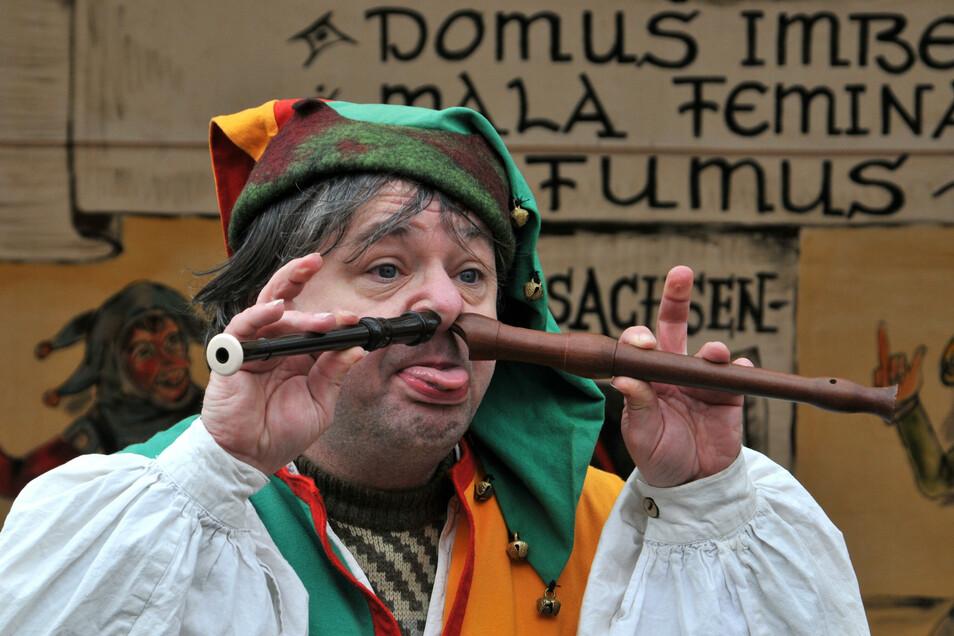 Der Gaukler Laut'n Hals aus Chemnitz ist am Wochenende der Marktvogt beim Herbstspektakel auf Schloss Burgk in Freital.